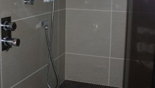 Combined wet room and steam room